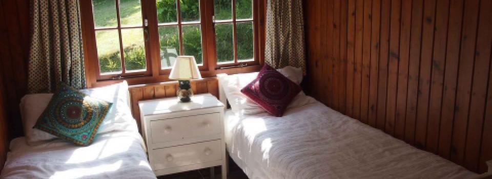 garden cot bedroom